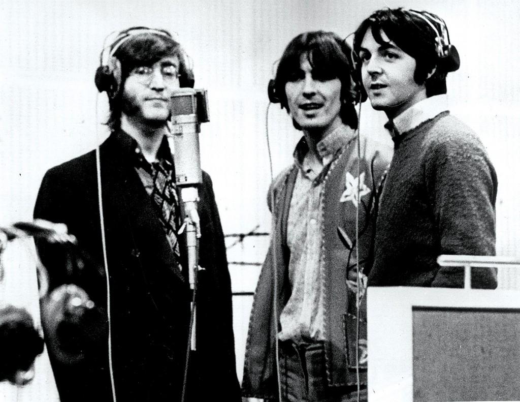 The Beatles singing intoa U47